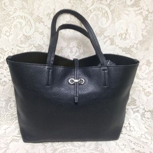 Ferragamo Black Pebble Leather Tote-Handbag